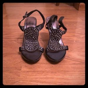 Black Studded Pump with Straps size 7